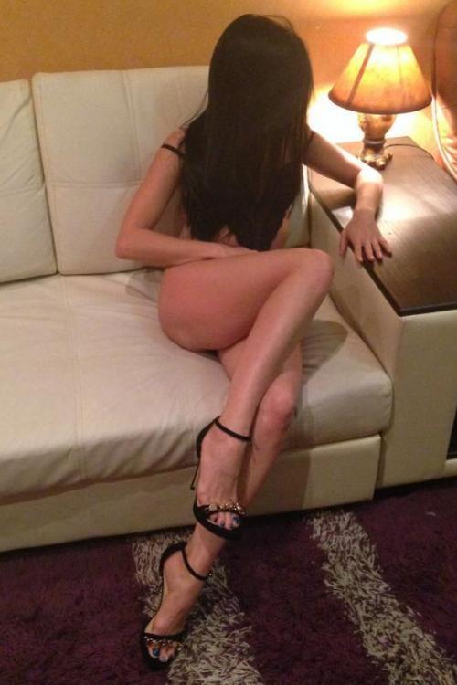 Проститутка и Индивидуалка у метро Ленинский проспект СПб оказывает услуги секс Анальный