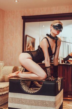 Проститутка  у метро Беговая СПб оказывает услуги секс Классика
