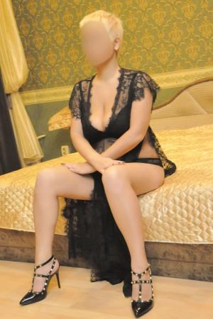 Проститутка  у метро Площадь Восстания СПб оказывает услуги секс Классика