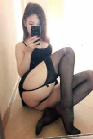 Проститутка  и Индивидуалка у метро Звёздная СПб оказывает услуги секс Классика